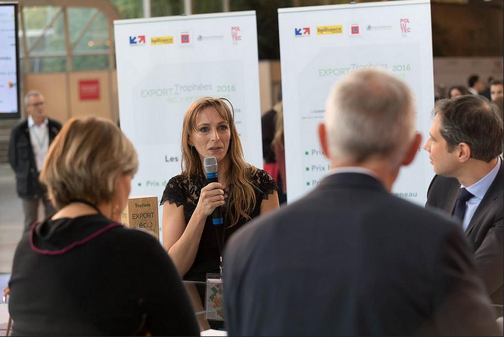 """Remise du Trophée Export des Eco-Entreprises catégorie """"start-up"""" à Microbia Environnement"""